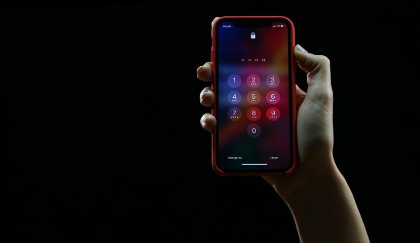 Pamoka, kurios niekaip neišmokstame: ketvirtadalis lietuvių iki šiol nenaudoja telefono apsaugos priemonių