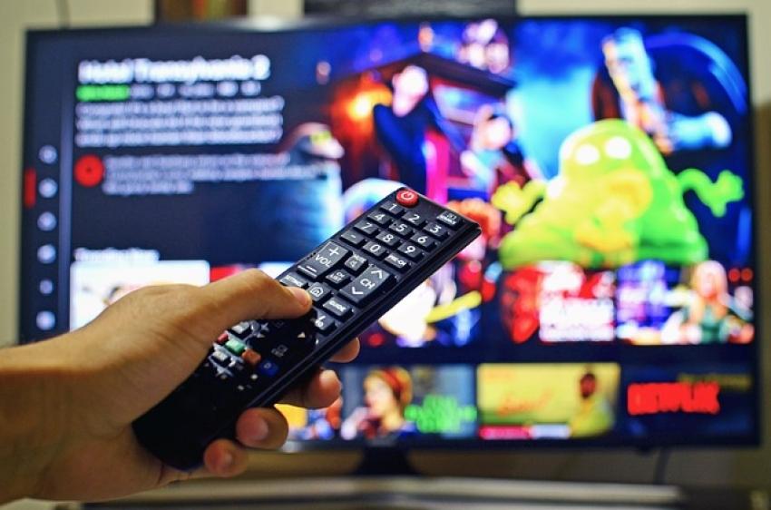 Trys šalies televizijos ir Telecentras sutarė bendradarbiauti Lietuvoje diegiant hibridinę TV