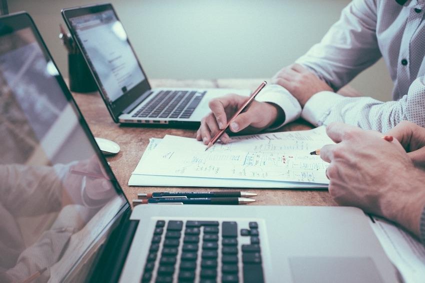 """Deloitte"" tyrimas: skaitmeninės bankininkystės lenktynėse Lietuva nepralaimi"