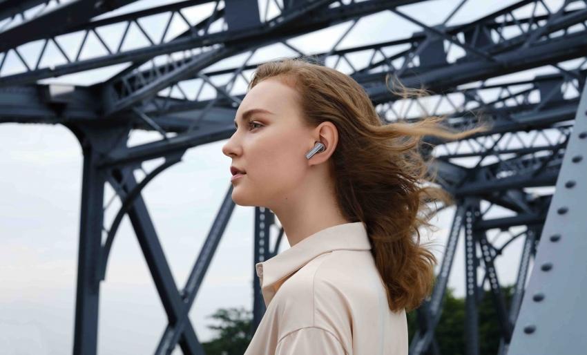 Belaidžių ausinių funkcijos: ar tikrai visas žinojote?