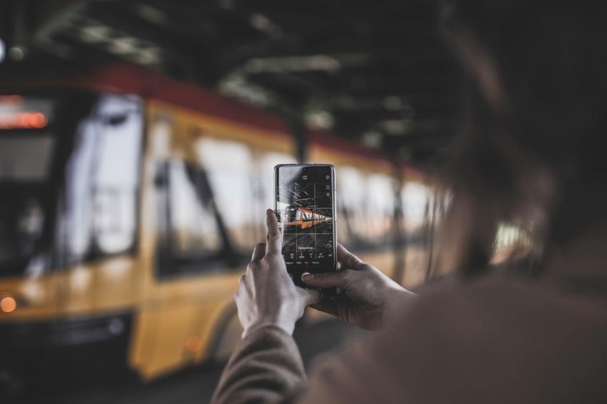 5 eksperto patarimai: ką daryti, kad telefonas nesugadintų atostogų