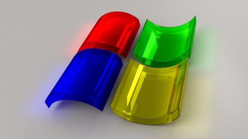 """34 metai su """"Windows"""": kaip """"langai"""" pakeitė kompiuterių pasaulio istoriją"""