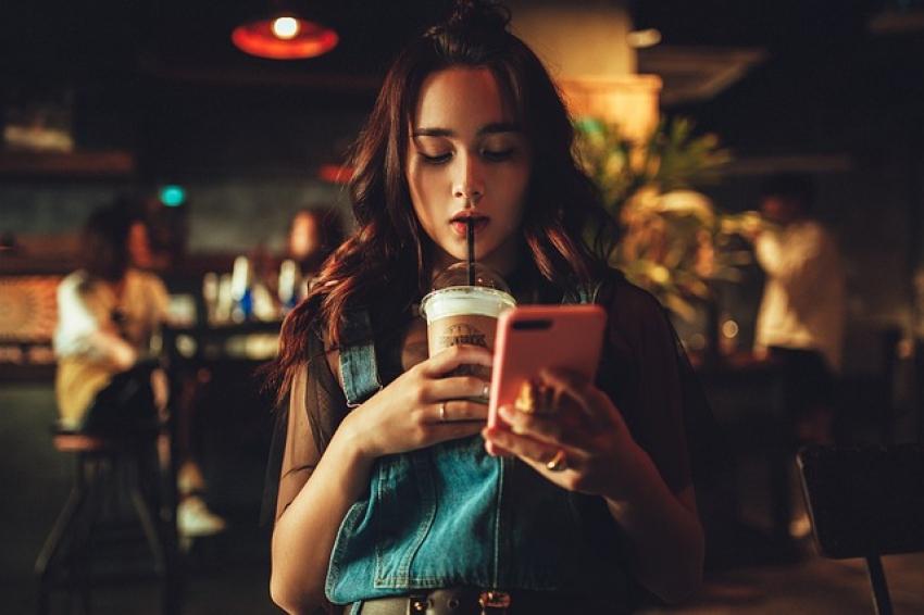 5 išmaniųjų telefonų funkcijos, kurios labiausiai rūpi jaunimui