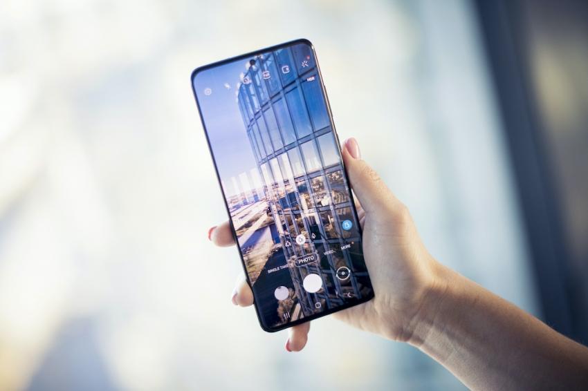 """Naujoji """"Samsung"""" serija """"Galaxy S20"""" jau Lietuvoje"""
