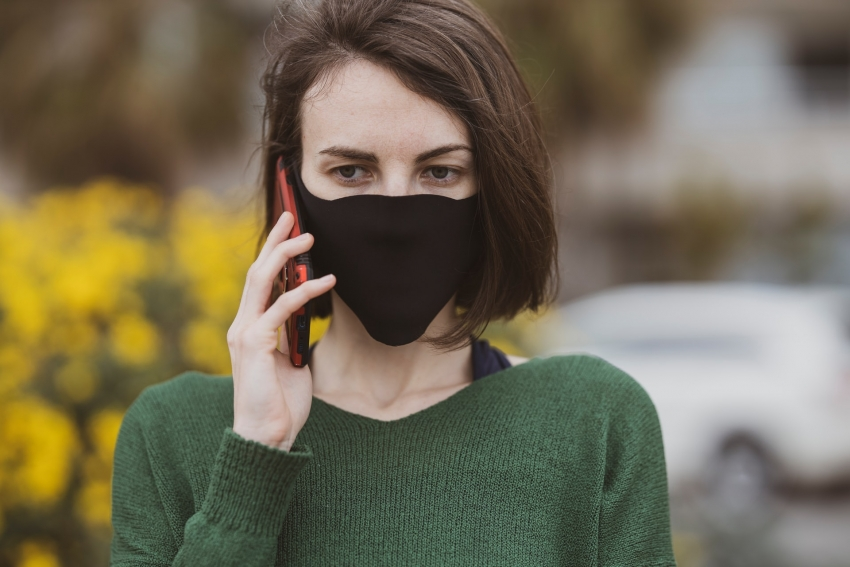 Telefonas maišelyje, kaukės ir veido atpažinimas – ko nepamiršti prieš ilgąjį savaitgalį?
