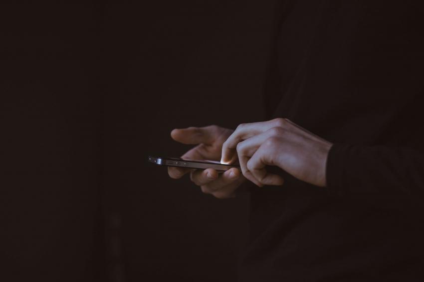 Kompiuterių virusus pažįstame, tačiau telefonus pamirštame: ką daryti?