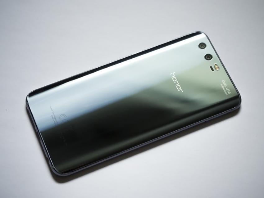 """""""Huawei"""" pozicija dėl situacijos su """"Google"""""""