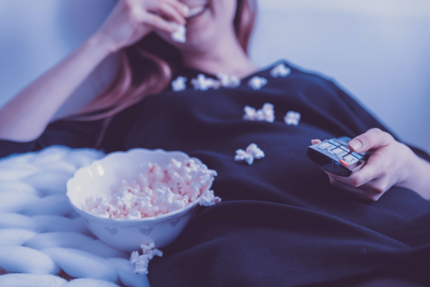Kaip išsirinkti įtraukiantį filmą ar serialą? Patarimai, kurie padės atrasti naują kino pasaulį