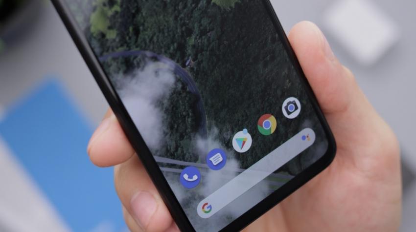 """""""Android"""" švenčia 12-ąjį gimtadienį: kaip keitėsi populiariausia operacinė sistema pasaulyje"""