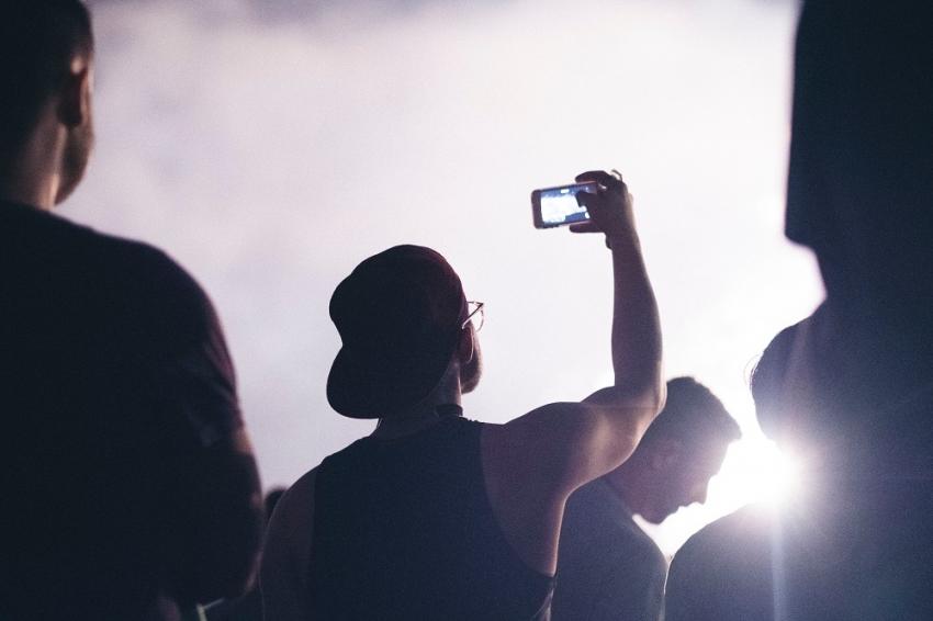 Telefono kameros parametrai, apie kuriuos nieko negirdėjote: kaip vasaros kadrus paversti nepamirštamais?